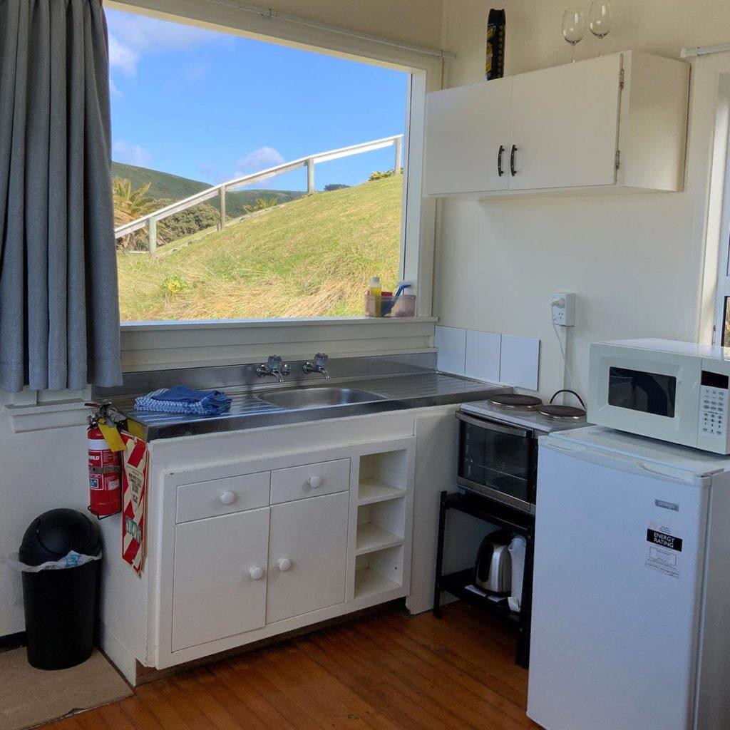 castlepoing-cabin-9-kitchen