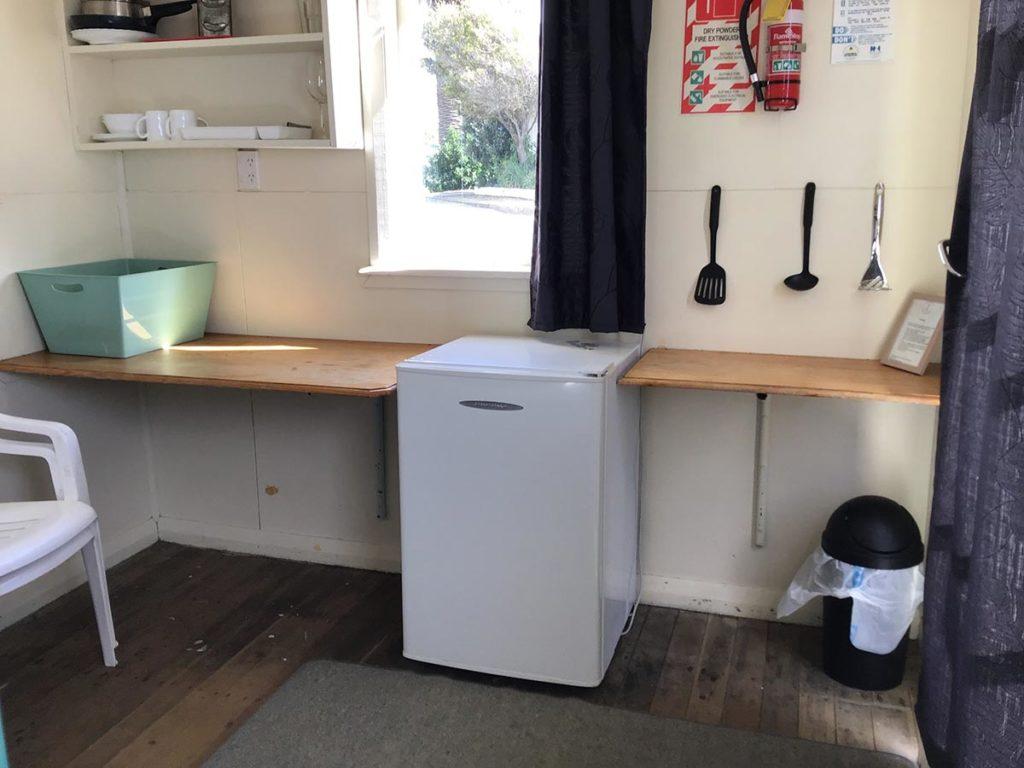 castlepoint-cabin-2-kitchen